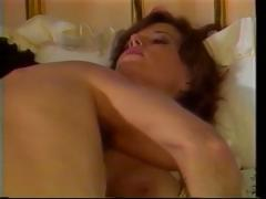Vintage porn with this brunette hair sucking and fucking hard cock